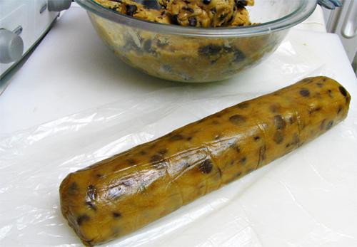 Creative & Easy Food Gift Ideas: Cookie Dough Log