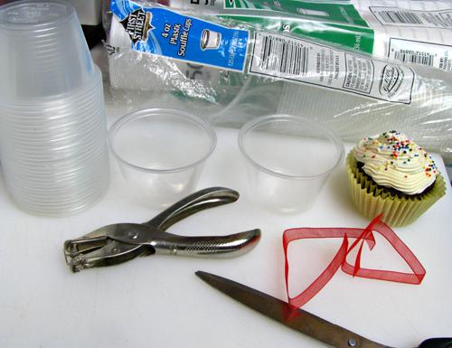 Creative & Easy Food Gift Ideas: Cupcake Holder