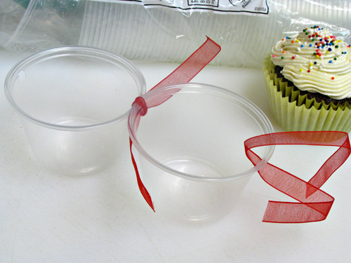 Easy diy cupcake holder home cooking memories for Food gift packaging ideas