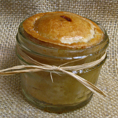 Mini Peach Pies in a Jar -- cute, personal-sized pies with an easy filling you make from fruit cups!