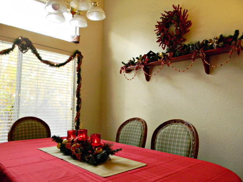Dining room christmas decorating ideas kmartholiday Holiday apartment decorating ideas