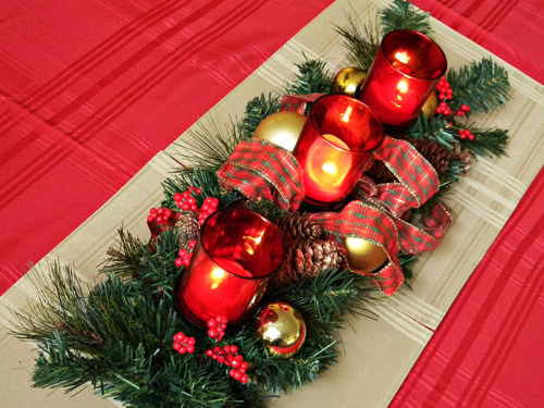 the - Christmas Dining Room Table Centerpieces