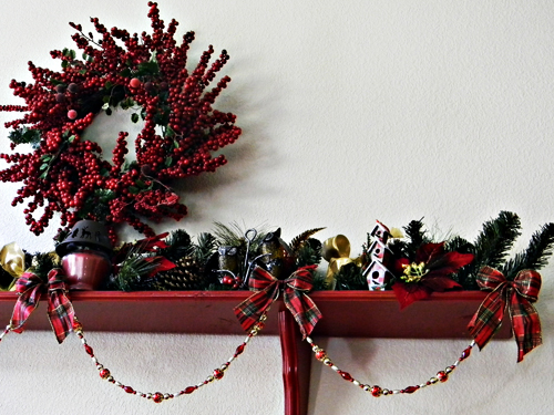 heres - Christmas Shelf Decorations