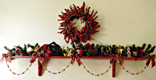 i - Christmas Shelf Decorations