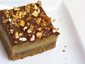 Peanut Butter Pretzel Cheesecake Bars