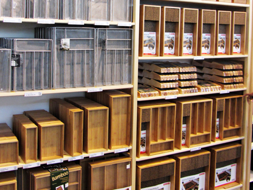 The Container Store The Container Store stores in Las Vegas - Hours, locations and phones Find here all the The Container Store stores in Las Vegas. To access the details of the store (locations, store hours, website and current deals) click on the location or the store name.