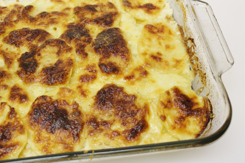 Scalloped Potatoes (Gratin Dauphinois) - Home Cooking Memories