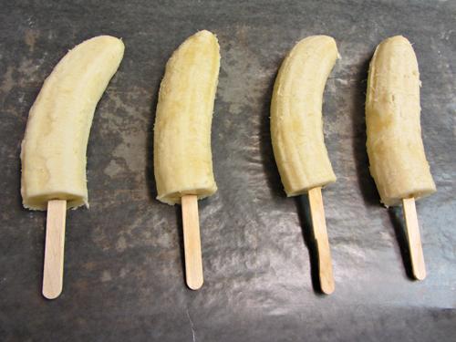 Easy-Desserts-Frozen-Chocolate-Bananas