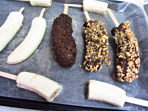 Easy-Desserts-Frozen-Chocolate-Bananas