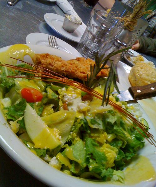 HH Famous Big O' Sage Fried Chicken Salad