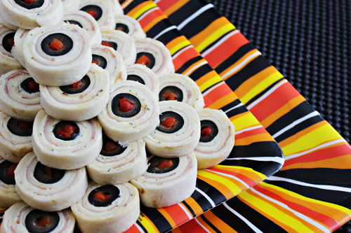Halloween Party Food: Eyeball Pinwheels