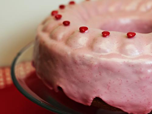 Sweetheart Cinnamon Cake with Glaze