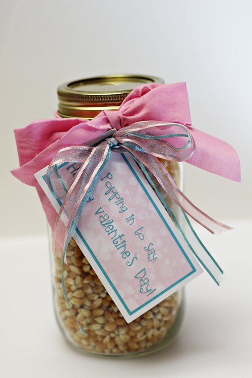 Valentine Gifts in a Jar - Popcorn with Cinnamon-Sugar Shaker