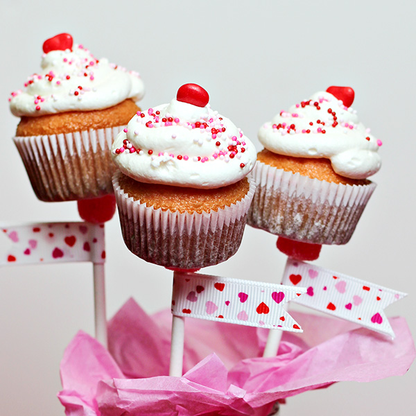 Mini Cupcakes on a Stick for Valentine's Day