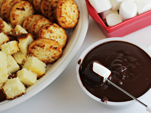 Chocolate Coconut Creme Fondue