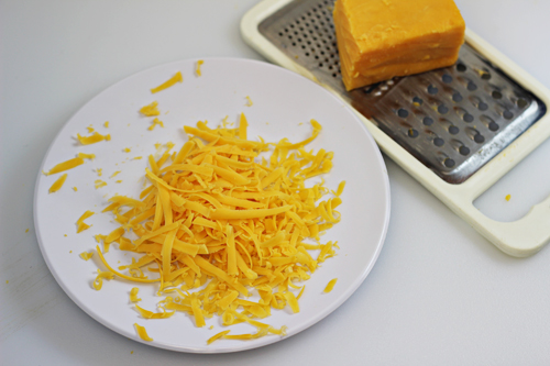 How-to-Make-An-Omelet-Cheddar-Cheese