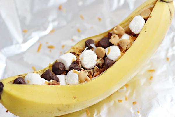 Easy Grilled Banana Dessert Bar