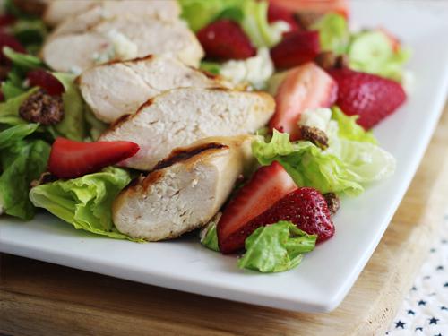 Red, White, & Blue Dinner Salad