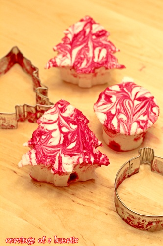 Peppermint Marshmallows by Cravings of a Lunatic