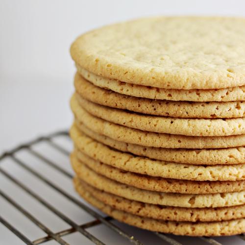 Sugar Cookie Crust #SpreadPossibilities #hersheysheroes