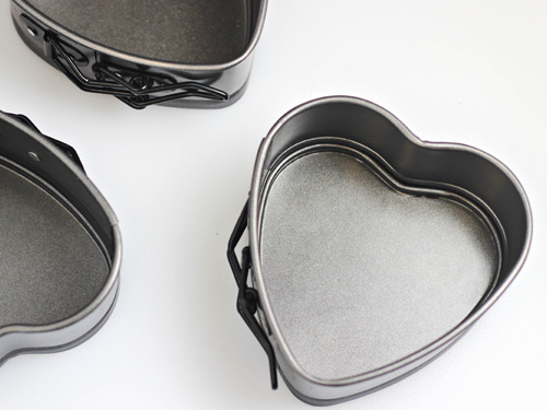 Wilton Mini Springform Heart Pans
