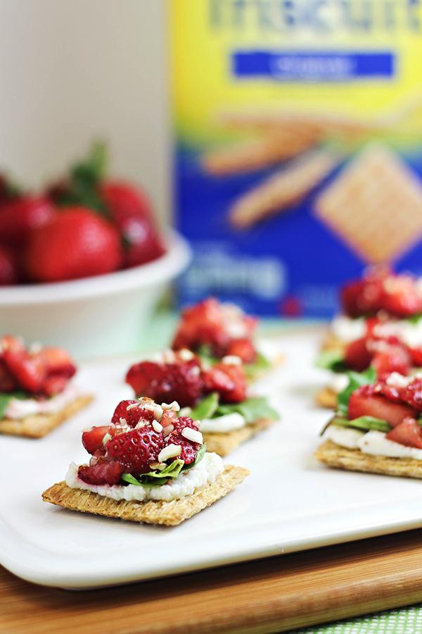 Strawberry Ricotta Bites #TriscuitSnackoff