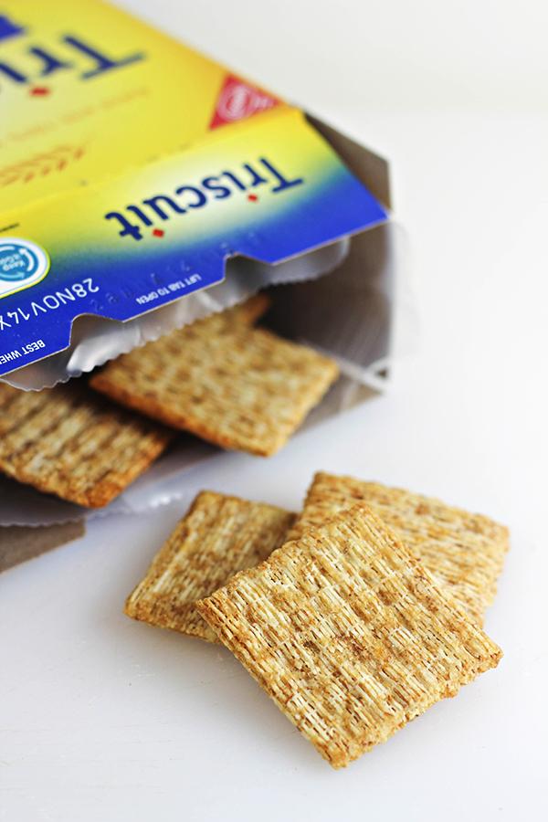 Strawberry Ricotta Bites - Triscuit Crackers #TriscuitSnackoff
