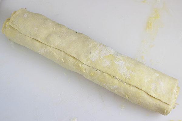 How to Make Artichoke Bacon Pinwheels