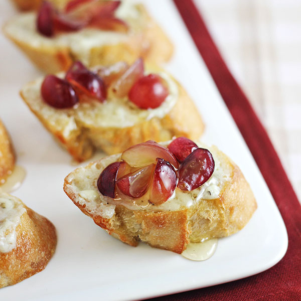 Grape Crostini Appetizer with Blue Cheese Spread & Honey