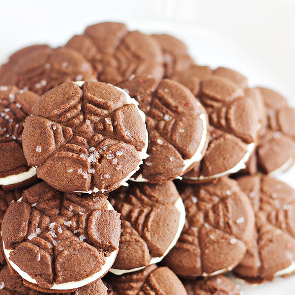 Halloween Treats: Spiderweb Sandwich Cookies Recipe - Home Cooking ...