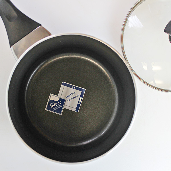 Farberware Sauce Pan with Teflon Non-Stick Coating