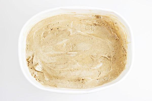 Easy Toasted Marshmallow Ice Cream