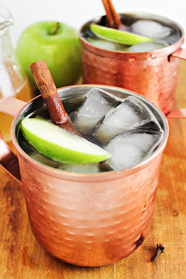 Spiced Apple Moscow Mule Cocktail Recipe