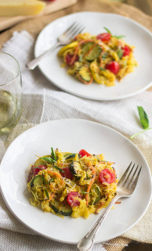 Spaghetti-Squash-Primavera Recipe by Food Faith Fitness + more Easy Spaghetti Squash Recipes for Dinner!