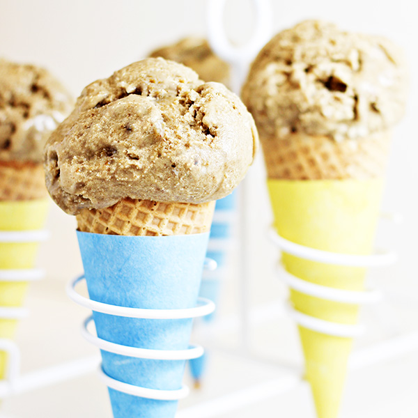 Easy Toasted Marshmallow Ice Cream Ever