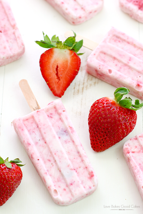 Strawberry-Yogurt Popsicles from Love Bakes Good Cakes