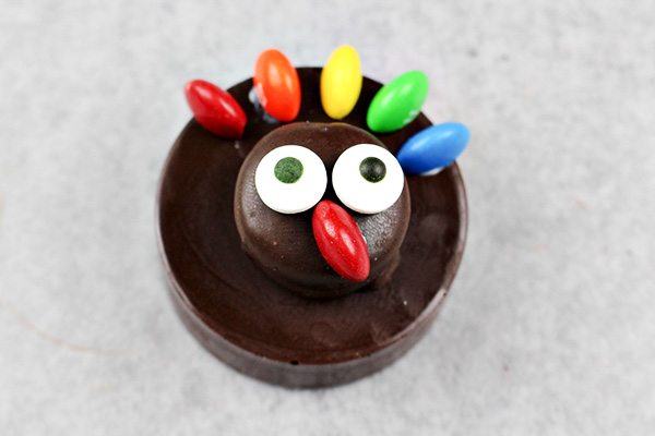Easy OREO Thanksgiving Turkey Cookies - Fun Food Craft