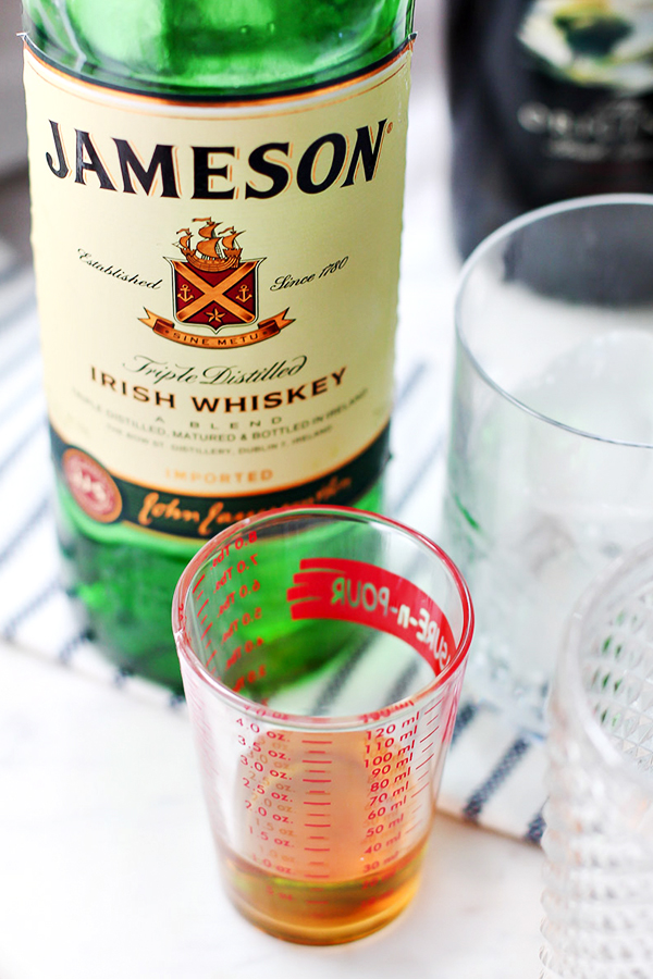 Mint irish iced coffee cocktail recipe for st patrick 39 s day for Jameson mixed drinks recipes