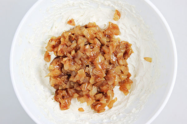 Caramelized Onion-Beer Dip Recipe