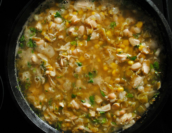 Quick Cast Iron White Chicken Chili Recipe by Southern Family Lifestyle