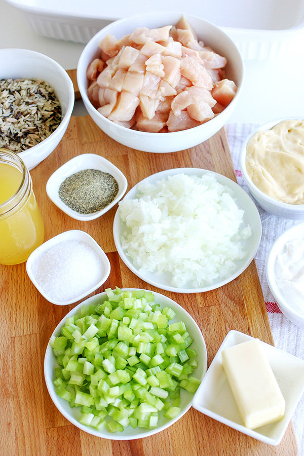 Ingredients to make a Rice Casserole with Chicken for dinner